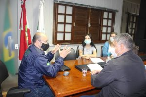 Equipe da prefeitura de Sangão visita o Unibave